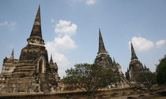 The largest temple in Ayuthaya - Wat Phra Si Sanphet – features three towers (chedi) build in the 14 century.