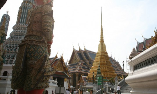 Wat Phra Kaew. Disneyland?
